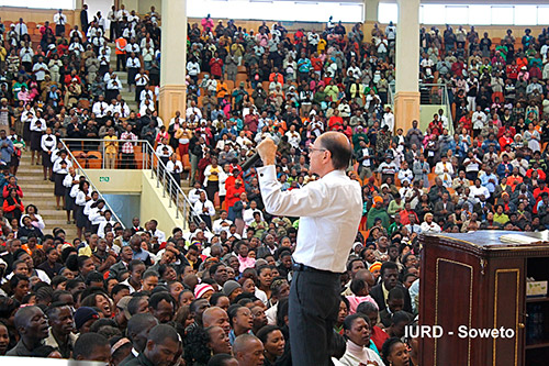 [EXCLUSIVO] Vigília da Virada com o Bispo Macedo em Soweto, África do Sul