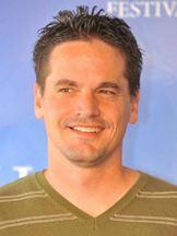 Kevin Downes | Personagem : Shane Fuller